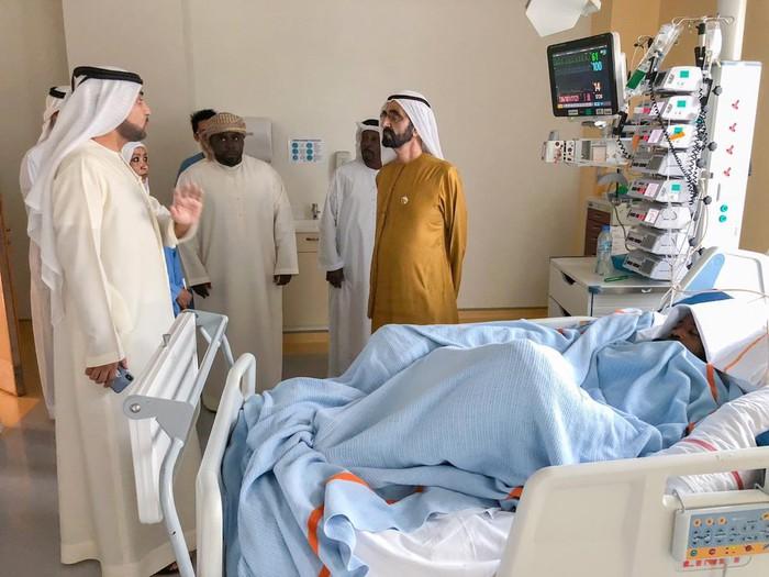 Sao trẻ UAE suýt mất mạng vì bị đối thủ đẩy ngã đập đầu vào cột đèn chiếu sáng - Ảnh 5.