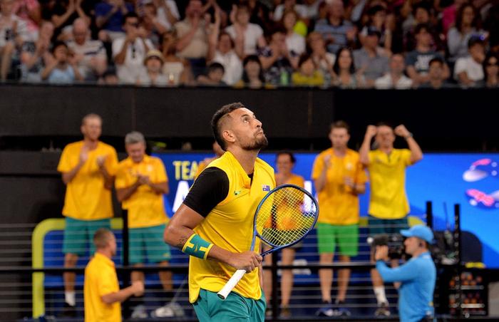 """ATP Cup 2020: """"Trai hư"""" Kyrgios hóa ngoan với hành động ai cũng trầm trồ, màn phát quốc ca lỗi khiến cả team nhăn mặt khó chịu - Ảnh 1."""
