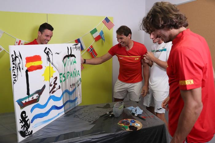 """ATP Cup 2020: """"Trai hư"""" Kyrgios hóa ngoan với hành động ai cũng trầm trồ, màn phát quốc ca lỗi khiến cả team nhăn mặt khó chịu - Ảnh 5."""