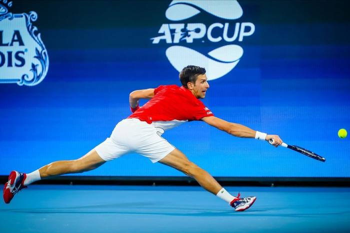 """Nadal và Djokovic """"rủ nhau"""" thắng nhọc ở trận đấu đầu tiên trong năm mới - Ảnh 9."""