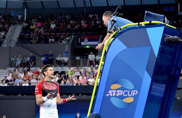 """Nadal và Djokovic """"rủ nhau"""" thắng nhọc ở trận đấu đầu tiên trong năm mới - Ảnh 11."""