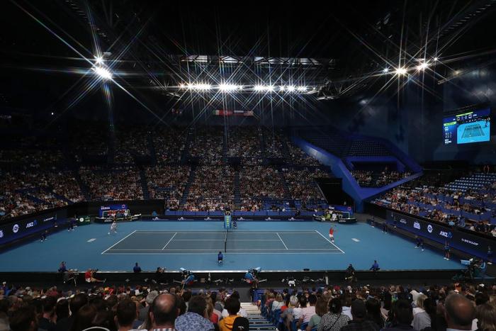 """Nadal và Djokovic """"rủ nhau"""" thắng nhọc ở trận đấu đầu tiên trong năm mới - Ảnh 2."""