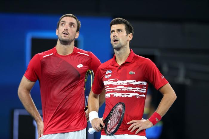 Djokovic bất ngờ bị tước điểm ở pha bóng dễ như ăn kẹo, để rồi bùng nổ phấn khích sau chiến thắng kịch tính - Ảnh 4.