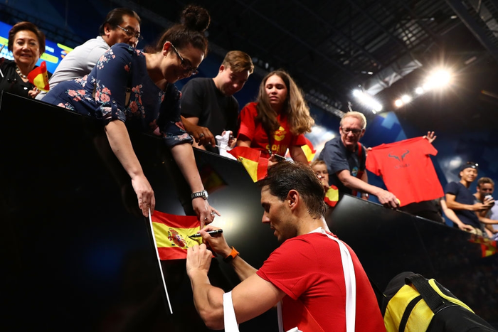 Djokovic bất ngờ bị tước điểm ở pha bóng dễ như ăn kẹo, để rồi bùng nổ phấn khích sau chiến thắng kịch tính - Ảnh 12.