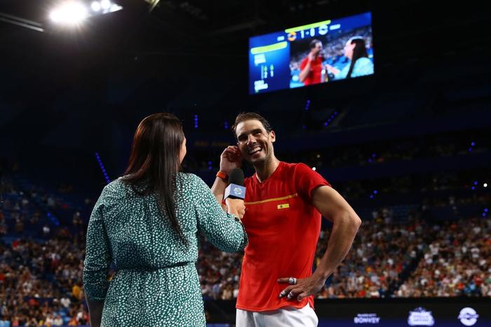 Djokovic bất ngờ bị tước điểm ở pha bóng dễ như ăn kẹo, để rồi bùng nổ phấn khích sau chiến thắng kịch tính - Ảnh 11.