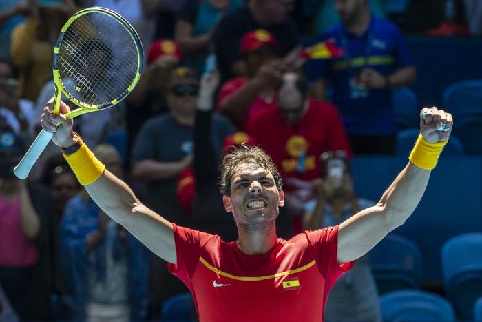 Chẳng tay vợt nào hạnh phúc hơn Nadal hôm nay: Vừa tỏa sáng giúp Tây Ban Nha vào tứ kết ATP Cup, lại ẵm thêm chiếc cúp danh giá - Ảnh 6.