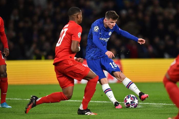 Sai lầm công thần, Chelsea bị hủy diệt ngay trên sân nhà và thậm chí kết thúc trận đấu với chỉ 10 người trên sân - Ảnh 1.
