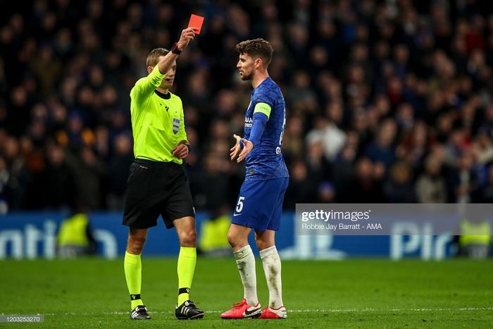Sai lầm công thần, Chelsea bị hủy diệt ngay trên sân nhà và thậm chí kết thúc trận đấu với chỉ 10 người trên sân - Ảnh 8.