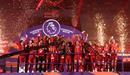 Khoảnh khắc Liverpool nâng cúp vô địch Anh sau 30 năm chờ đợi