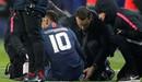 Neymar chấn thương mắt cá chân sau những cú sút liên tục của cầu thủ Strasbourg