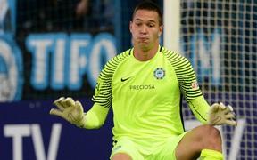 Thủ môn Việt kiều cứu thua xuất sắc, giúp đội nhà giành chiến thắng ở cúp châu Âu