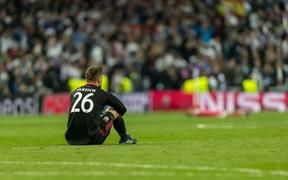 Vì sao thủ môn là kẻ cô độc nhất trên sân bóng?