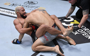 Kết quả UFC 255: Shevchenko tiếp tục chiến thắng, Figueiredo bảo vệ đai thành công
