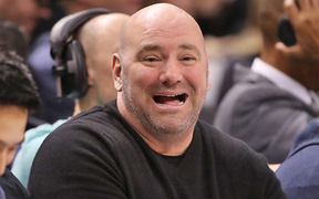 """Luật đấu của Mike Tyson vs Roy Jones như thế nào lại khiến Dana White """"đứng hình""""?"""