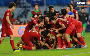 Danh sách tập trung đội tuyển Việt Nam: Văn Quyết, Tấn Trường trở lại