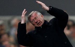 """Sir Alex tiết lộ đối thủ đáng sợ nhất khiến Man Utd hùng mạnh của ông chỉ còn biết """"giơ tay xin hàng"""""""