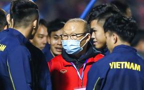 HLV Park Hang-seo chia tay hai đội tuyển, liên tục nhắc học trò không được chấn thương