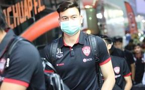 Văn Lâm tập luyện không ngơi nghỉ, CLB Thái Lan tiết lộ lý do thật sự khiến anh mất suất bắt chính