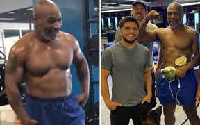 Trước ngày trở lại sàn đấu, Mike Tyson khoe cơ bắp cuồn cuộn khi tập luyện cùng huyền thoại MMA Vitor Belfort
