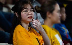 Huỳnh Anh âm thầm xuất hiện trên khán đài cổ vũ Quang Hải và CLB Hà Nội đấu Đồng Tháp