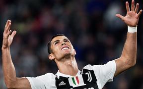 Top 100 cầu thủ giá trị nhất: Ronaldo mất giá thê thảm