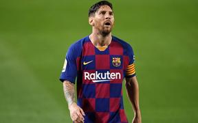 Messi và đồng đội nhận thất bại ê chề trong ngày chính thức mất ngôi vương quốc nội