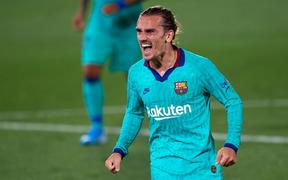 Antoine Griezmann và Messi đập tan tin đồn xích mích, Barcelona đè bẹp Villareal với tỉ số 4-1