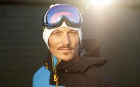 Nhà vô địch trượt tuyết thế giới chết đuối khi đang lặn biển để bắt cá