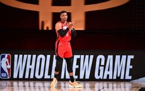Russell Westbrook gặp chấn thương có thể ảnh hưởng tới việc tham dự NBA Playoffs 2019/2020