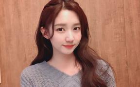 """DAMWON Gaming - Đội tuyển """"số hưởng nhất LCK"""", từ nữ idol nóng bỏng đến MC duyên dáng đều trở thành fan cứng"""