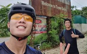 """Xuân Trường chơi lớn, """"phượt"""" hơn trăm cây số về quê bằng xe đạp và cái kết bị chê già lẫn """"ê mông"""""""