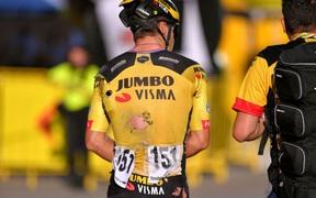 Chơi xấu khiến đàn em lâm vào cảnh thập tử nhất sinh, VĐV đua xe đạp có nguy cơ mất luôn sự nghiệp