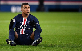 """Cầu thủ trẻ hay nhất thế giới ra thông báo gây sốc với PSG, MU và Liverpool sẵn sàng nổ """"bom tấn""""?"""