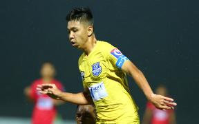 """Dương Quang Trung Hiếu: """"Sát thủ"""" triển vọng của bóng đá Việt với số áo kỳ lạ và ước mơ cao lớn như Ronaldo"""