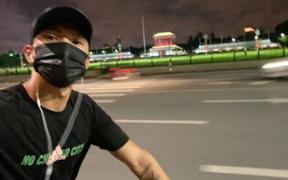 """Sau hơn một tháng về Việt Nam, Văn Hậu vẫn tập thể dục theo """"giờ châu Âu"""": Nửa đêm đi đạp xe, thăm thú các địa điểm nổi tiếng của Hà Nội"""