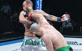 """Võ sĩ tung một đấm khiến cựu tay đấm UFC ngất lịm, có lời """"mời chào"""" không thể ổn hơn trước Chủ tịch Dana White"""