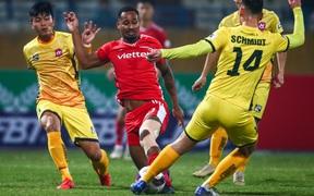 Viettel thua sốc trên sân Hàng Đẫy trong ngày đầu ra quân V.League 2021
