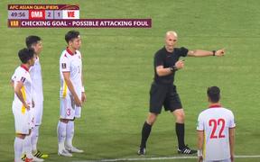 Đội tuyển Việt Nam thua Oman ở trận đấu nhiều VAR nhất lịch sử