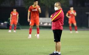Những hình ảnh đầu tiên của HLV Park Hang-seo trong buổi tập cùng U23 Việt Nam