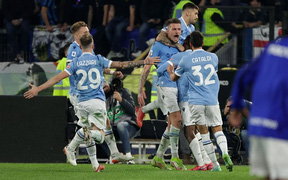 Để thua Lazio, Inter Milan bị ngắt mạch trận bất bại ở Serie A