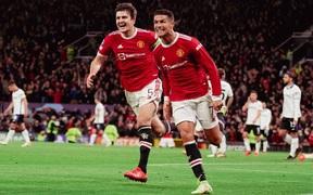 Ronaldo, Maguire thay nhau tỏa sáng giúp MU ngược dòng thắng ấn tượng dù bị dẫn trước 2 bàn sau hiệp 1