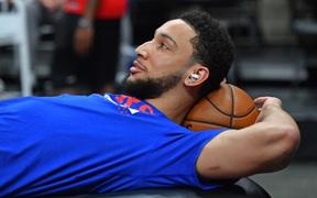 """Vỏ quýt dày gặp móng tay nhọn: Ben Simmons lại dùng chiêu trò để trốn tập và cách Philadelphia 76ers """"cao tay"""" đối phó"""