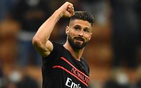 Giroud sắm vai người hùng giúp AC Milan lên đỉnh bảng xếp hạng Serie A