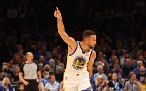 Golden State Warriors ngược dòng xuất sắc, bảo vệ thành tích bất bại từ đầu mùa