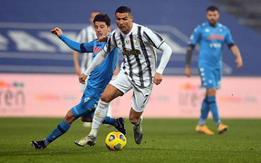 Ronaldo tịt ngòi, Juventus ôm hận trước đối thủ đang bám đuổi trên BXH