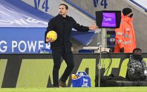 Sa thải nhưng Chelsea vẫn trả tiền tấn cho Frank Lampard hàng tuần
