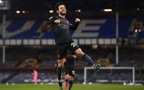 Man City bỏ xa MU tới 10 điểm sau chiến thắng thuyết phục trước Everton