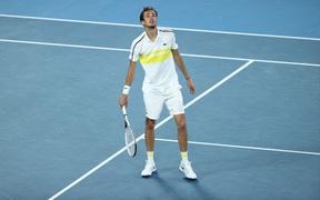 Thắng dễ đối thủ loại Nadal, Daniil Medvedev đại chiến Djokovic ở chung kết Australian Open