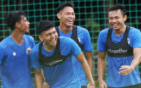 """ĐT Indonesia chơi """"bài dị"""" trước vòng loại World Cup: Đá giao hữu với CLB của KOLs và ngôi sao giải trí?"""
