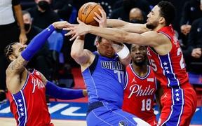 Thắng nhàn Dallas Mavericks, Philadelphia 76ers giữ vững ngôi đầu BXH miền Đông